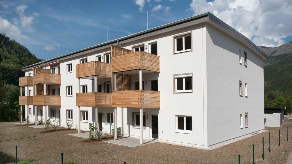 Wohngebaeude Aussenanlage in Tageslicht als Teil der Systemplanung