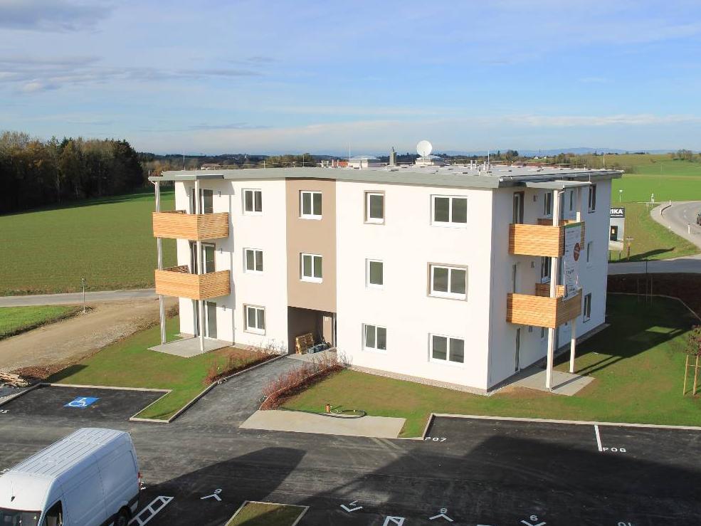 all-in99 Projekt Adlwang Wohngebäude in Tagesansicht
